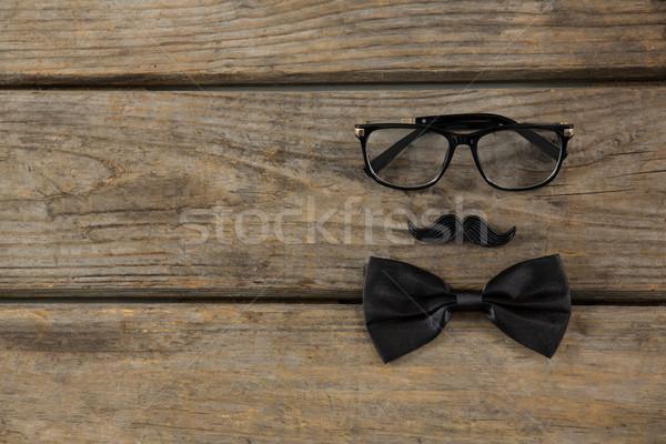 Snor bril houten tafel familie Stockfoto © wavebreak_media