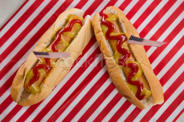 Drapeau américain chaud chiens table en bois alimentaire Photo stock © wavebreak_media