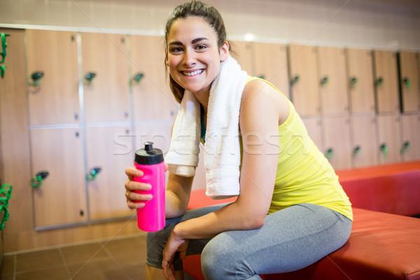 Glimlachende vrouw klaar training gymnasium kleedkamer vrouw Stockfoto © wavebreak_media