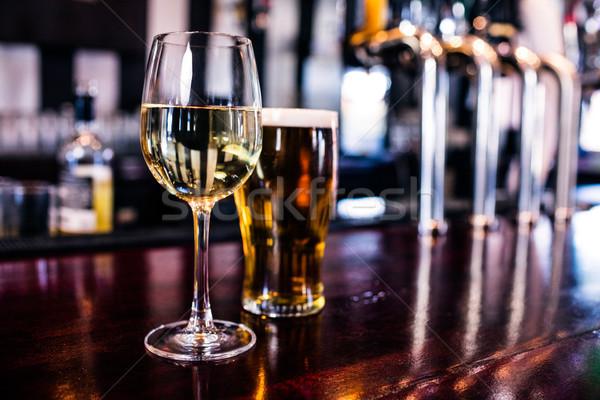 стекла вино пива Бар Сток-фото © wavebreak_media