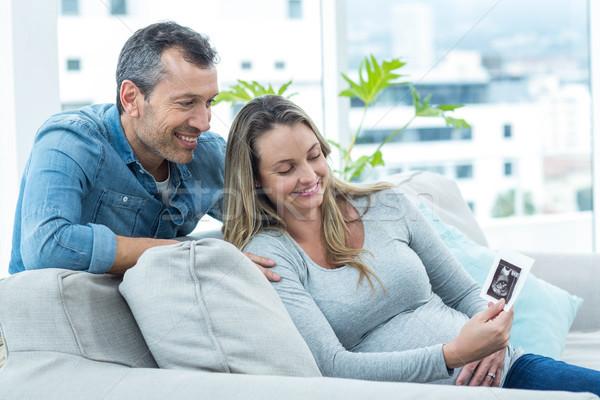 çift bakıyor ultrason taramak oturma kanepe Stok fotoğraf © wavebreak_media