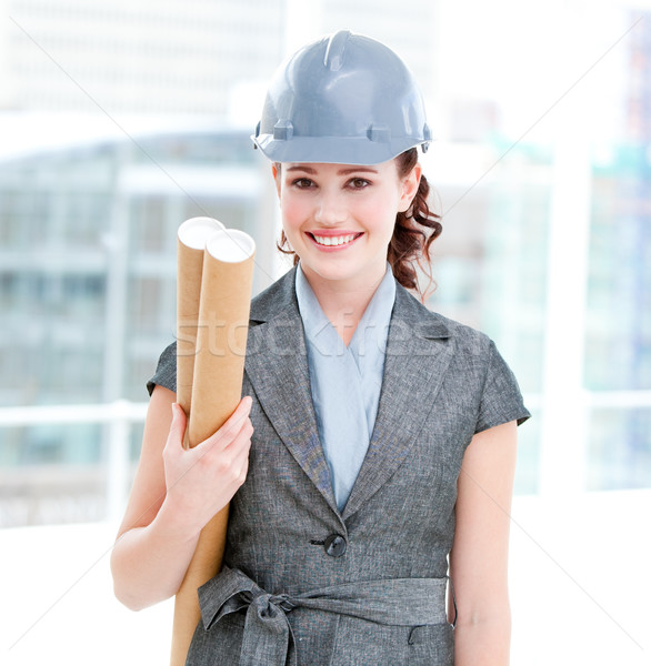 Portré női építész tart tervrajzok iroda Stock fotó © wavebreak_media