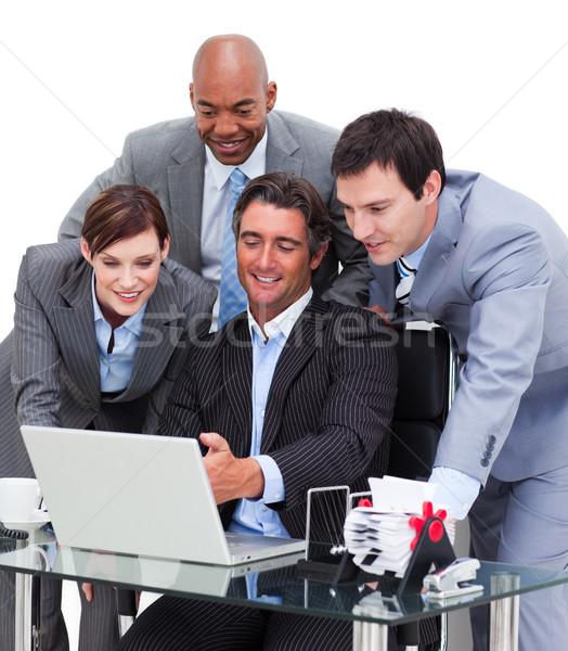 Multicultural equipo de negocios de trabajo ordenador mujer teclado Foto stock © wavebreak_media