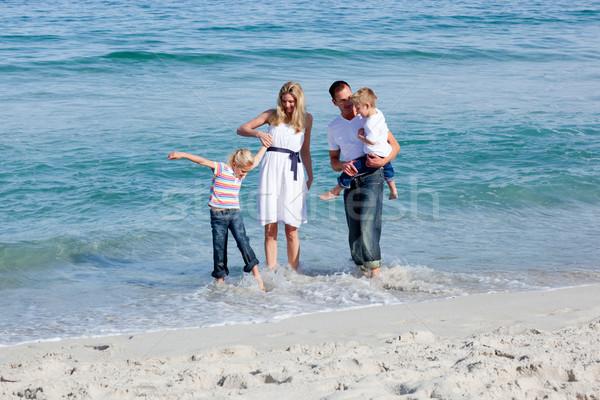 живой семьи пляж песок любви Сток-фото © wavebreak_media