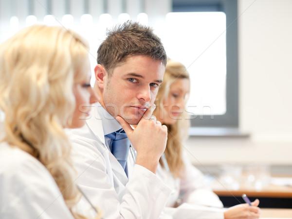 ストックフォト: チーム · 医師 · 会議 · インターネット · 女性 · 医療