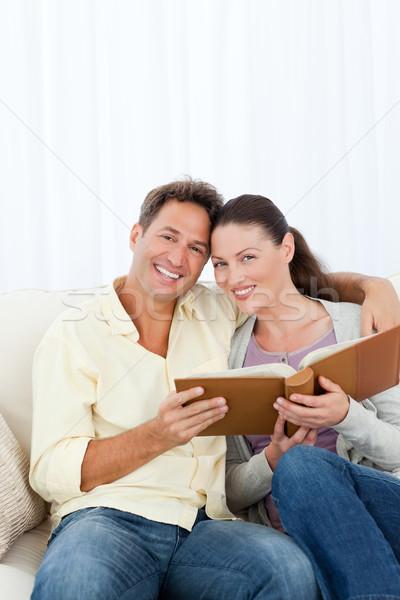 портрет счастливым пару глядя гостиной Сток-фото © wavebreak_media