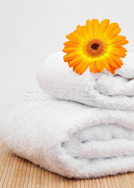Blanco toallas naranja girasol salud fondo Foto stock © wavebreak_media