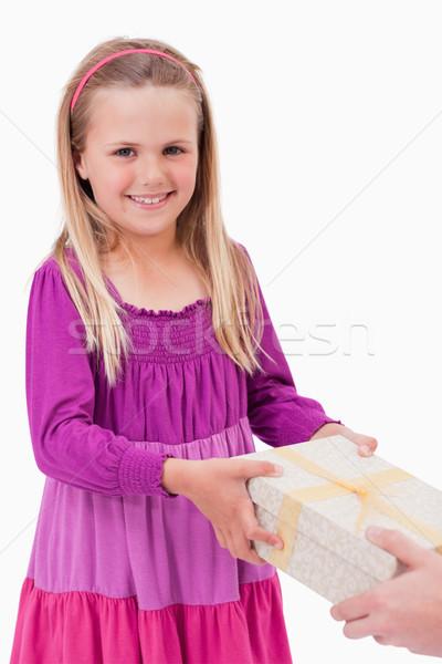 Portré boldog lány ajándék fehér lány doboz Stock fotó © wavebreak_media