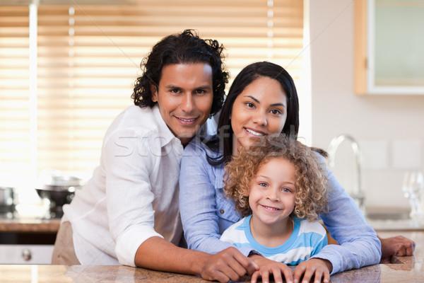 Jóvenes familia junto cocina amor feliz Foto stock © wavebreak_media