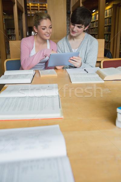 Iki Öğrenciler kütüphane kolej tablo Stok fotoğraf © wavebreak_media