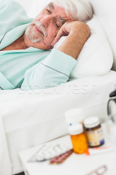 пожилого человека вверх кровать домой медицина Сток-фото © wavebreak_media
