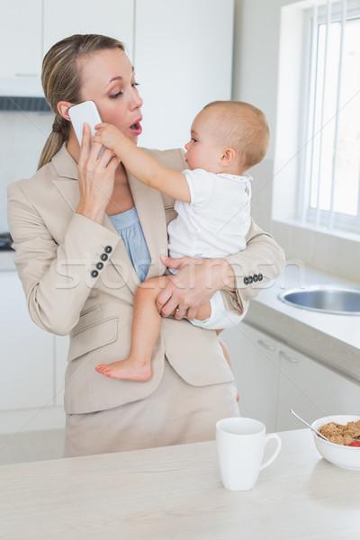 Photo stock: Heureux · femme · d'affaires · bébé · parler · téléphone