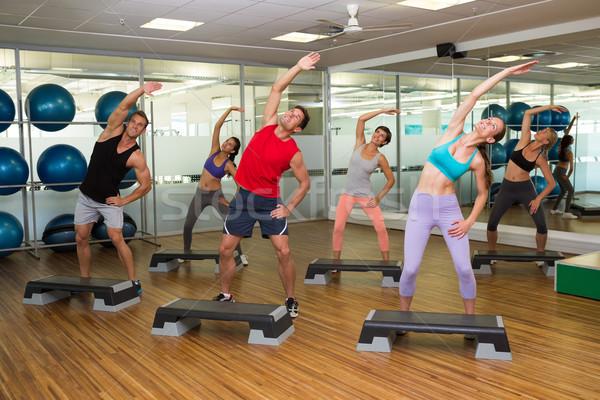 Fitness klasy krok aerobik siłowni człowiek Zdjęcia stock © wavebreak_media