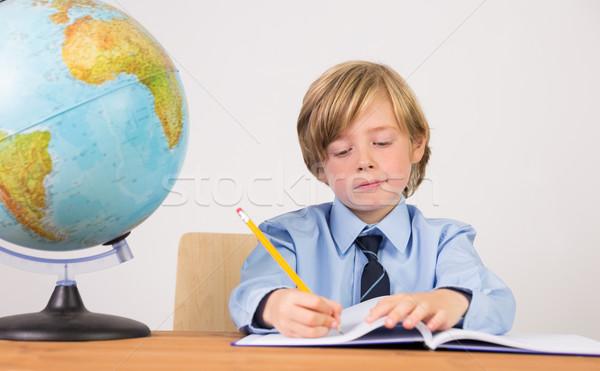 Estudante escrita notas bloco de notas branco escolas Foto stock © wavebreak_media