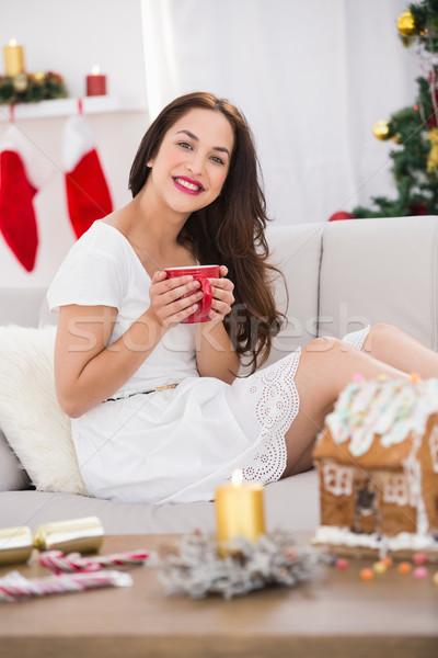 笑みを浮かべて ブルネット マグ ホットドリンク クリスマス ストックフォト © wavebreak_media
