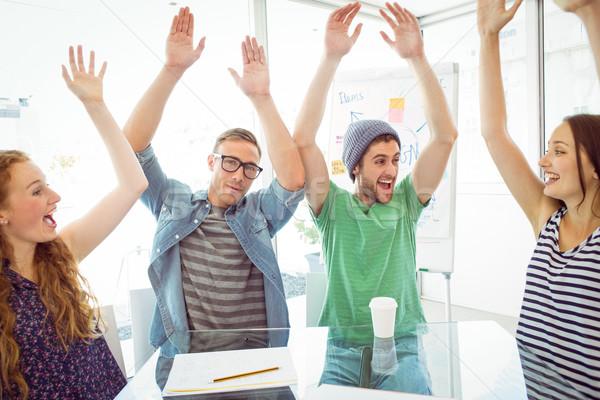 моде студентов руки вверх колледжей женщину счастливым Сток-фото © wavebreak_media