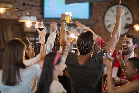 Vrolijk jonge menigte discotheek Stockfoto © wavebreak_media