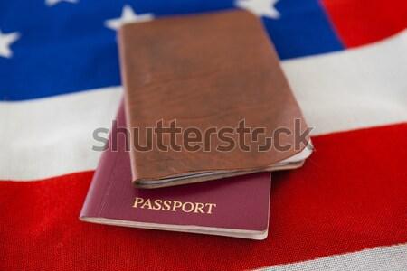 Foto stock: Visado · bandera · de · Estados · Unidos · mesa · de · madera · primer · plano · seguridad · azul