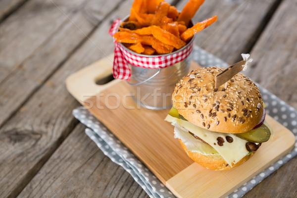Recipiente cheeseburger madeira Foto stock © wavebreak_media