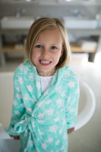 Mosolyog lány áll fürdőkád fürdőszoba portré Stock fotó © wavebreak_media