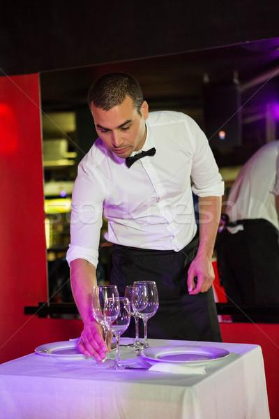 Pincér asztal bár férfi étterem hotel Stock fotó © wavebreak_media
