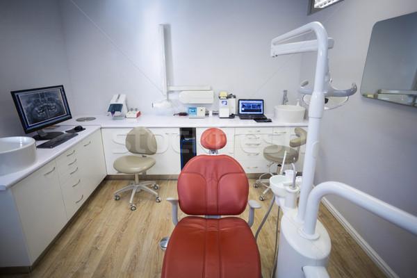 Zawodowych stomatologia krzesło dentysta narzędzia komputera Zdjęcia stock © wavebreak_media