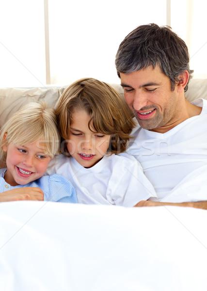 Stockfoto: Aandachtig · vader · kinderen · lezing · boek · familie