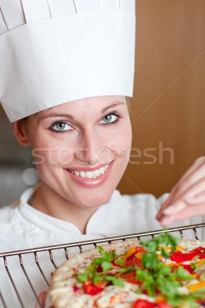 Kadın pizza mutfak kadın kız Stok fotoğraf © wavebreak_media