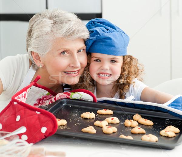 Meisje grootmoeder naar camera home huis Stockfoto © wavebreak_media