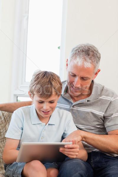 Сток-фото: портрет · счастливым · отцом · сына · гостиной · семьи