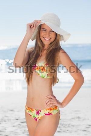 Mulher jovem corpo para a frente em pé biquíni Foto stock © wavebreak_media