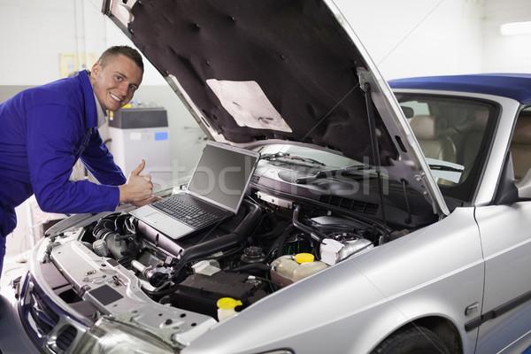 Mecânico carro motor garagem computador Foto stock © wavebreak_media