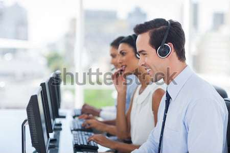 Línea de trabajo computadoras call center equipo Screen Foto stock © wavebreak_media