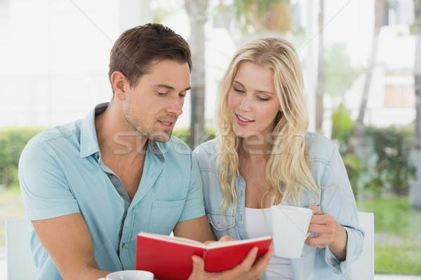 бедро кофе вместе чтение книга Сток-фото © wavebreak_media