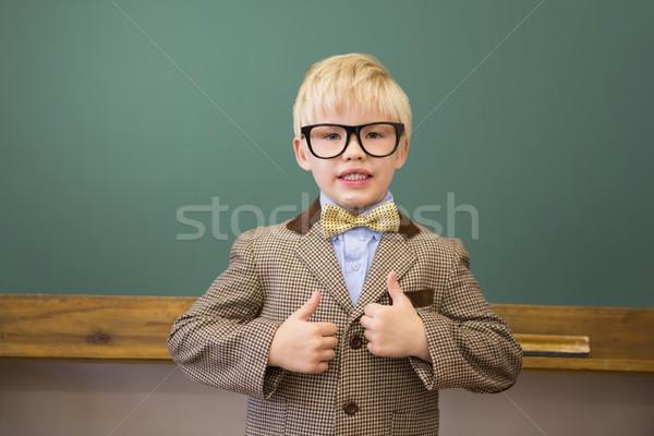 Foto stock: Bonitinho · para · cima · professor · sala · de · aula · escola · primária · escolas