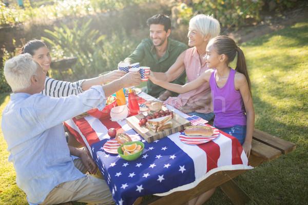Foto stock: Família · feliz · refeição · parque