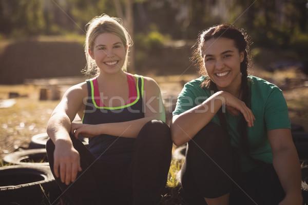 портрет счастливым друзей расслабляющая шин Сток-фото © wavebreak_media