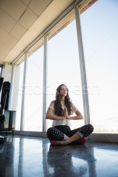 Stockfoto: Zakenvrouw · yoga · vloer · venster · kantoor · business