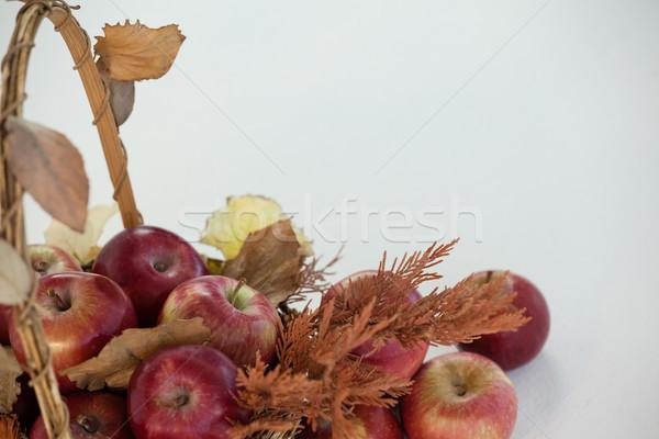 Czerwony jabłka wiklina koszyka Zdjęcia stock © wavebreak_media