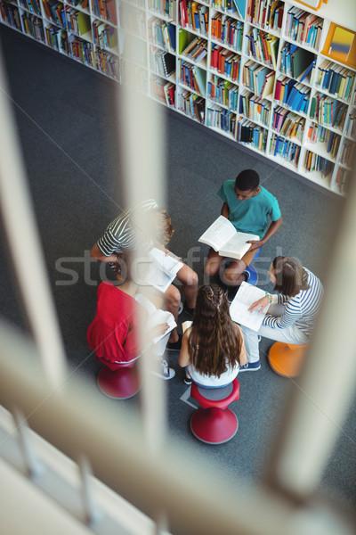 Attentif élèves étudier bibliothèque vue école Photo stock © wavebreak_media