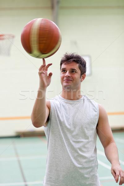 Tehetséges férfi játszik kosárlabda tornaterem fitnessz Stock fotó © wavebreak_media