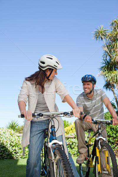 Stock fotó: örömteli · pár · biciklik · nő · egészség · hegy