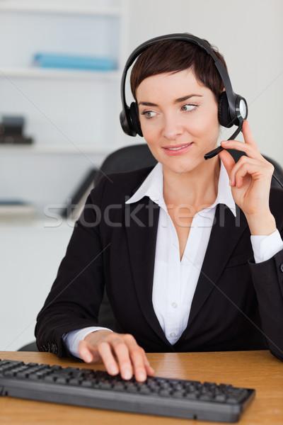 Portré profi titkárnő hív headset iroda Stock fotó © wavebreak_media