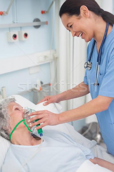 Stock fotó: Nővér · tart · oxigénmaszk · kórház · szoba · ágy