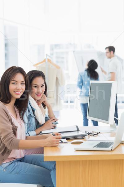 女性 作業 デスク 創造 オフィス 肖像 ストックフォト © wavebreak_media