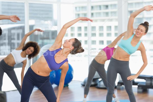 Deportivo mujeres manos yoga clase Foto stock © wavebreak_media