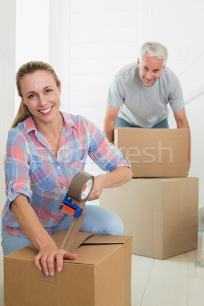 Boldog pár karton költözködő dobozok öreg otthon Stock fotó © wavebreak_media