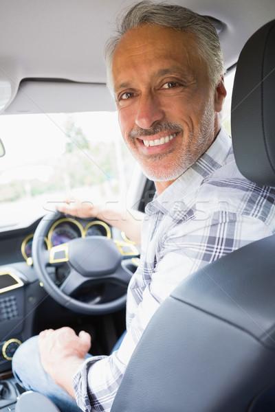 Homem sorridente condução carro feliz estilo de vida Foto stock © wavebreak_media