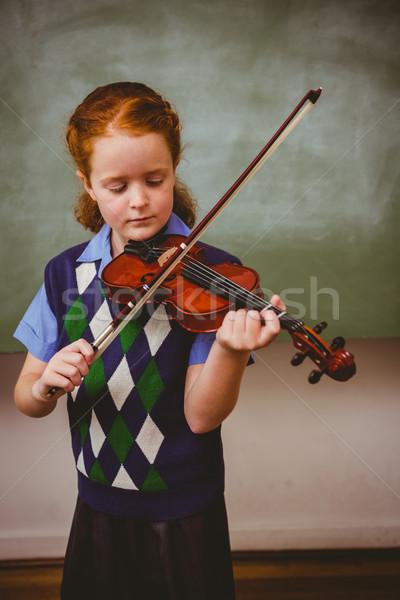 Aranyos kislány játszik hegedű osztályterem portré Stock fotó © wavebreak_media