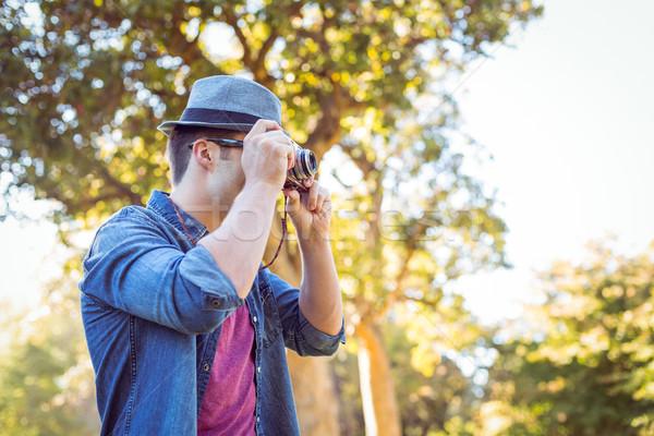 Yakışıklı eski fotoğraf makinesi adam mutlu Stok fotoğraf © wavebreak_media